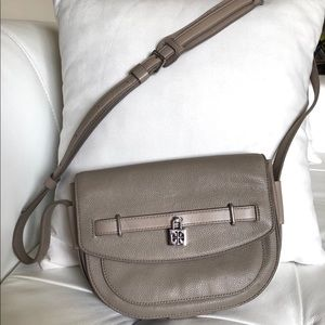 ✅SOLD✅Tory Burch Cross-body Bag Leather Gray